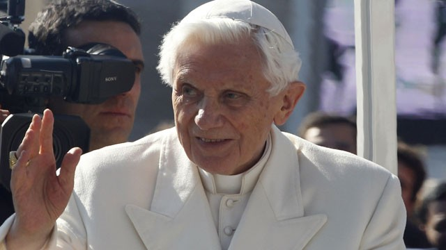 ap_Pope2_ac_130227_wg