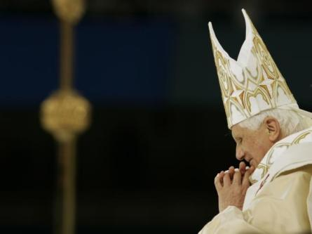 pope in prayer