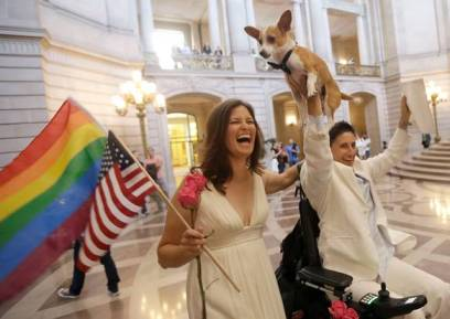 SUPREME_COURT_GAY_MARRIAGE_31903605