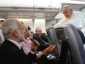 vatican-pope-on-a-plane