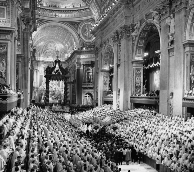 John XXIII enters St Peter's on 11 October 1962, the first day of Vatican II.