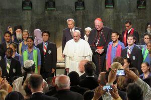 Pope_Francis_participates_in_an_interreligious_prayer_service_at_Ground_Zero_Sept_25_2015_Credit_Addie_Mena_CNA_CNA_9_25_15