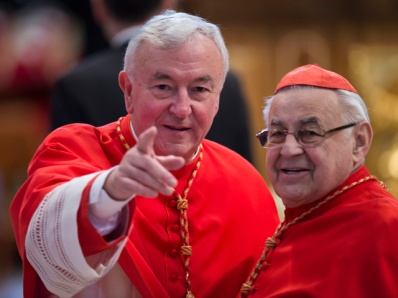 Cardinal-Vincent-Nichols-points-at-the-camera