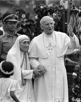 Blessed Mother Teresa of Kolkata with St John Paul II. Her canonization decree will be signed on Tuesday by Pope Francis.