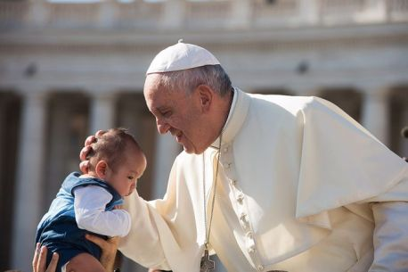 Pope_Francis_embraces_a_baby_during_the_general_audience_in_St_Peters_Square_on_August_26_2015_Credit_LOsservatore_Romano_CNA_8_26_15