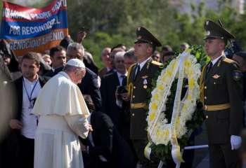Pope Francis at the memorial service at the Tsitsernakaberd complex in Yeravan, Armenia