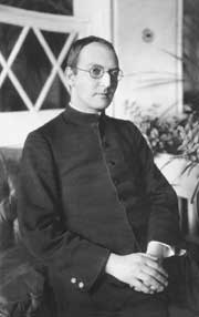 Erich Pryzwara SJ